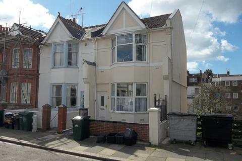 6 bedroom semi-detached house to rent - Gordon Road, Brighton