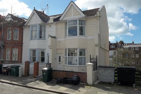 7 bedroom semi-detached house to rent - Gordon Road, Brighton