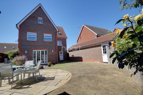 5 Bedroom Detached House For Sale Colchester