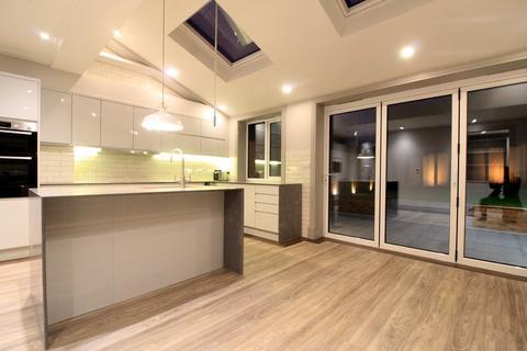 3 bedroom end of terrace house to rent - Shooters Hill, Shooters Hill, London, SE18