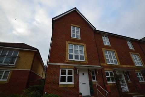 4 Bedroom End Of Terrace House To Rent Caroline Way Eastbourne East Sus