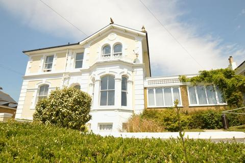 6 bedroom detached house for sale - SUBSTANTIAL CHARACTER PROPERTY * SHANKLIN