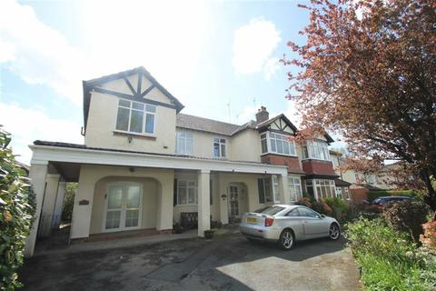 3 bedroom apartment to rent - Riddings Road, Hale, Altrincham