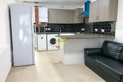 6 bedroom semi-detached house to rent - Dawlish Road, Selly Oak - student property