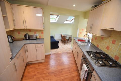 4 bedroom semi-detached house to rent - Helston Road, Penryn
