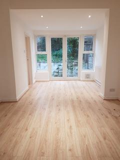 3 bedroom terraced house to rent - Donaldson Road, Shooters Hill, London, SE18