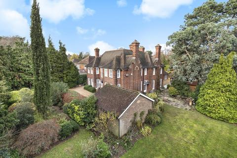 6 bedroom detached house for sale - Woodlands Road, Bickley