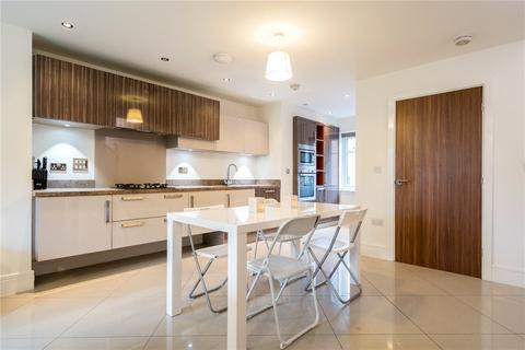 3 bedroom semi-detached house for sale - Harewood Drive, Bradford, West Yorkshire