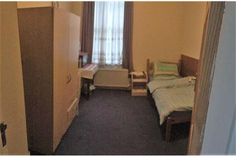 1 bedroom house share to rent - Gunnersbury Lane, Acton Town