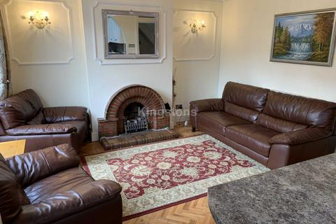 4 bedroom house to rent - Albany Road, Roath, Cardiff, CF24 3RZ