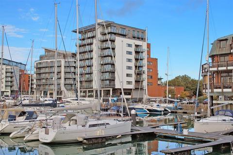 2 bedroom flat to rent - Sundowner, Channel Way, Southampton, SO14 3JB