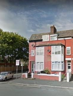 1 bedroom in a house share to rent - Dickenson Road, Manchester M14