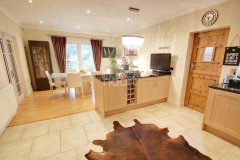 4 bedroom detached house for sale - Musters Road, West Bridgford, Nottinghamshire