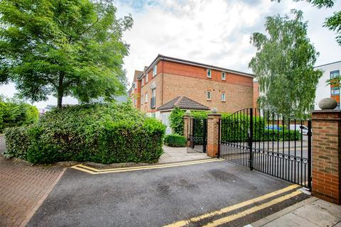 2 bedroom apartment for sale - Flat 2, Block A, Bodiam Court, Maidstone, ME16