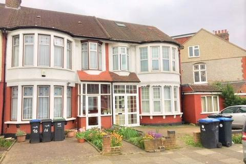 1 bedroom apartment to rent - Riverway, Palmers Green, London N13