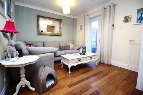 2 bedroom terraced house to rent - Ellesborough Grove, Two Mile Ash, Milton Keynes