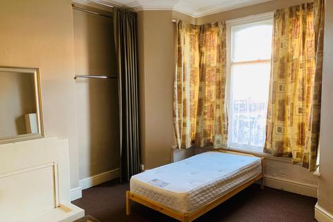 Studio to rent - Flat 1, Poplar Avenue, Edgbaston, Birmingham B17