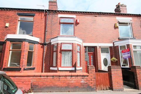3 bedroom terraced house to rent - Selwyn Street, Leigh, WN7 1RS