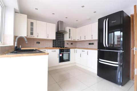 3 bedroom semi-detached house to rent - Boxted Close, Leagrave