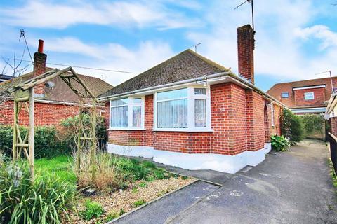 3 bedroom detached bungalow for sale - Brampton Road, Oakdale, POOLE, Dorset