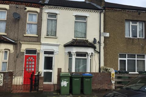 3 bedroom terraced house for sale - Gunning Street, Plumstead, London