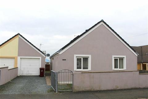 4 bedroom detached bungalow for sale - George Street, Milford Haven