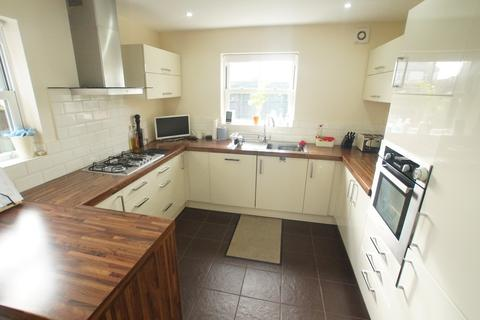 4 bedroom detached house to rent - Newark Road, North Hykeham, Lincoln