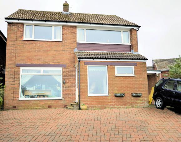 4 Bedrooms Detached House for sale in Filey Road, Scarborough, North Yorkshire YO11 3AF