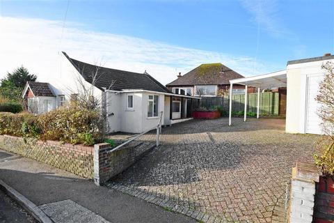 2 bedroom detached bungalow for sale - Warren Road, Woodingdean, Brighton, East Sussex
