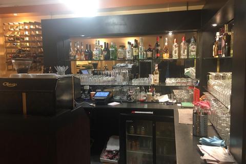 Restaurant for sale - 41 Tolworth Broadway, KT6 7DJ