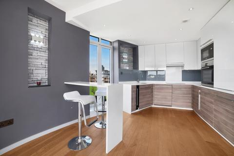 3 bedroom penthouse for sale - Holland Gardens, Kew, TW8