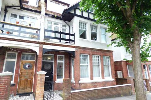 Studio to rent - York Avenue, Hove, East Sussex