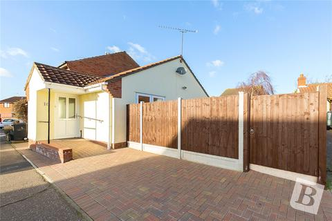 2 bedroom bungalow for sale - Jenner Mead, Chelmsford, Essex, CM2