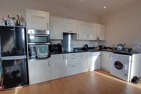 3 bedroom apartment to rent - Lower Bristol Road, Bath