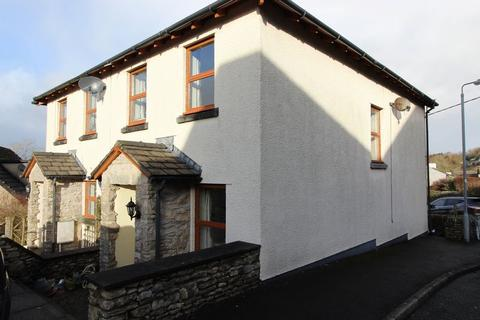 3 bedroom semi-detached house to rent - Available from 25th February 2019
