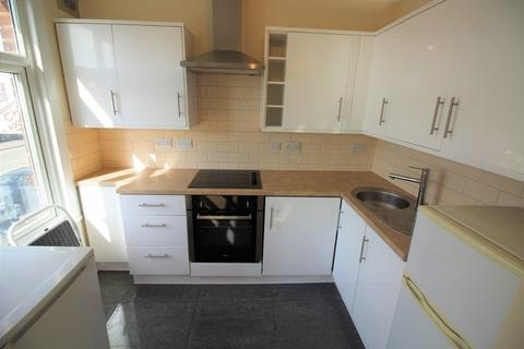 1 bedroom flat to rent - Hall Lane, Chingford