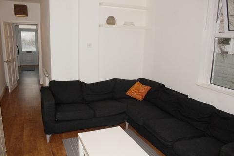 2 bedroom flat to rent - Queens Road, Mumbles