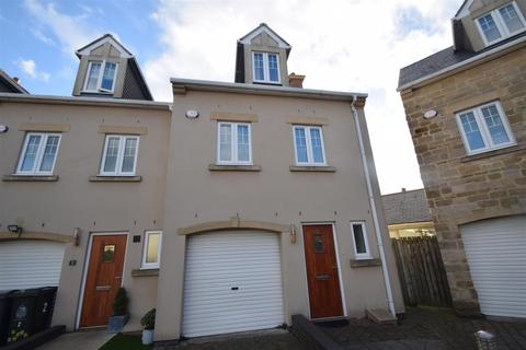 3 bedroom townhouse for sale - Churchill Court, Monkseaton