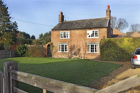 4 bedroom detached house for sale - Main Road, Shavington Crewe, Cheshire
