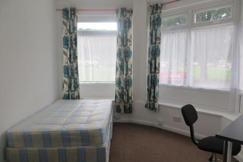 6 bedroom house to rent - Upper Bevendean Avenue, Brighton