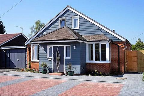 4 bedroom detached house for sale - Pound Lane, Kingsnorth, Ashford