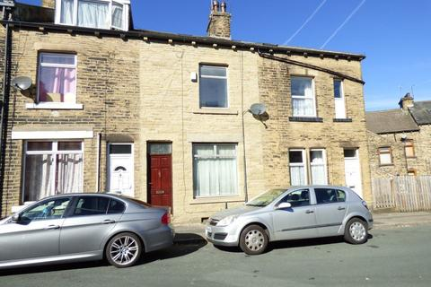 4 bedroom house to rent - 69 MOUNT TERRACE, BRADFORD BD2 2JE