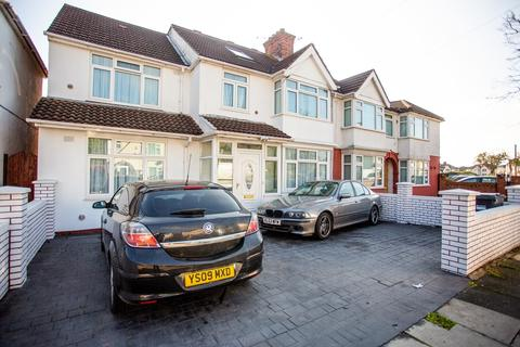 6 bedroom semi-detached house for sale - Clevedon Gardens, Hounslow, TW5