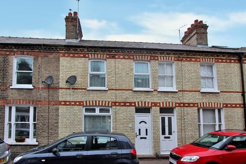 3 bedroom terraced house for sale - Thoday Street, Cambridge, CB1