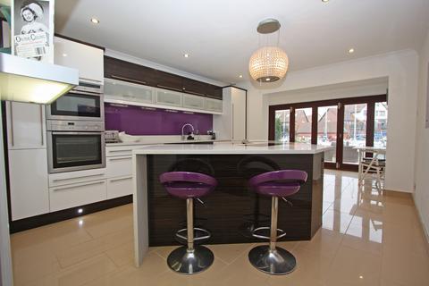 3 bedroom townhouse to rent - Sennen Place, Port Solent