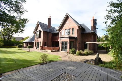 5 bedroom detached house to rent - Park Lane, Hale