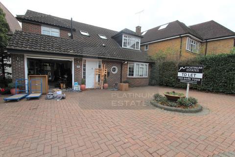 4 bedroom detached house to rent - Claremont Road, Barnet, EN4