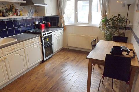 2 bedroom flat to rent - Moyser Road, Furzedown