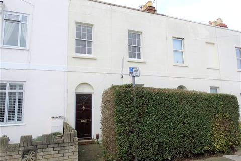 3 bedroom terraced house to rent - Victoria Place, Cheltenham, GL52