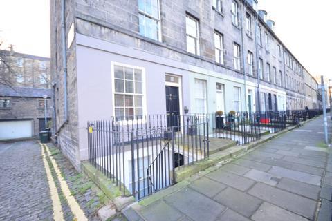 2 bedroom apartment to rent - Cumberland Street, New Town, Edinburgh, EH3 6RA